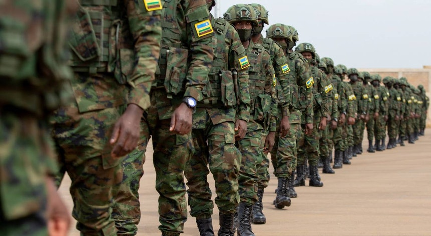 Foreign troops in Mozambique and the battles for safe the deal of Gas*